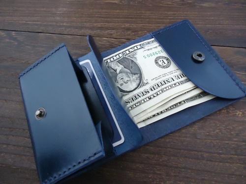 レザークラフトの作品 ベルギー産ルガトで作った2つ折りのミニ財布